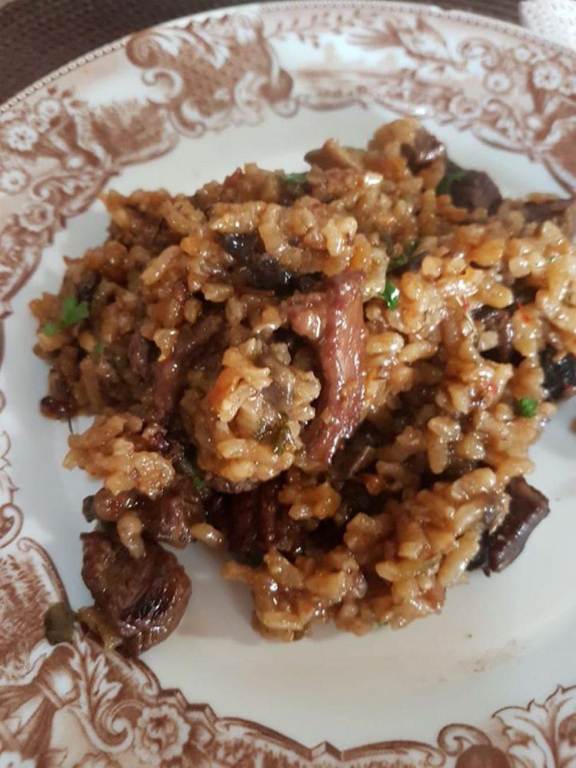 Receta de ciervo con arroz.Cocinando Caza